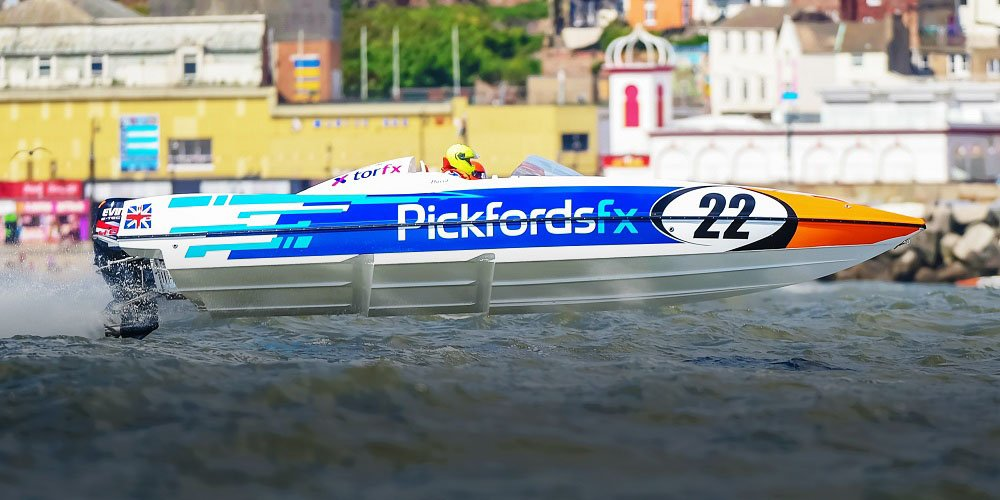 Engine failure drowns hopes for Pickfords powerboat