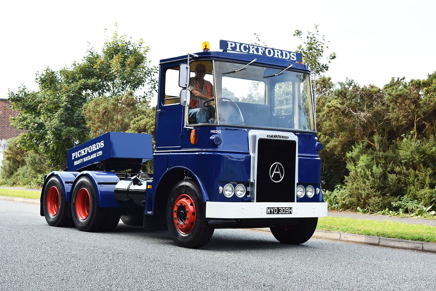 Pickfords vehicle restoration 1